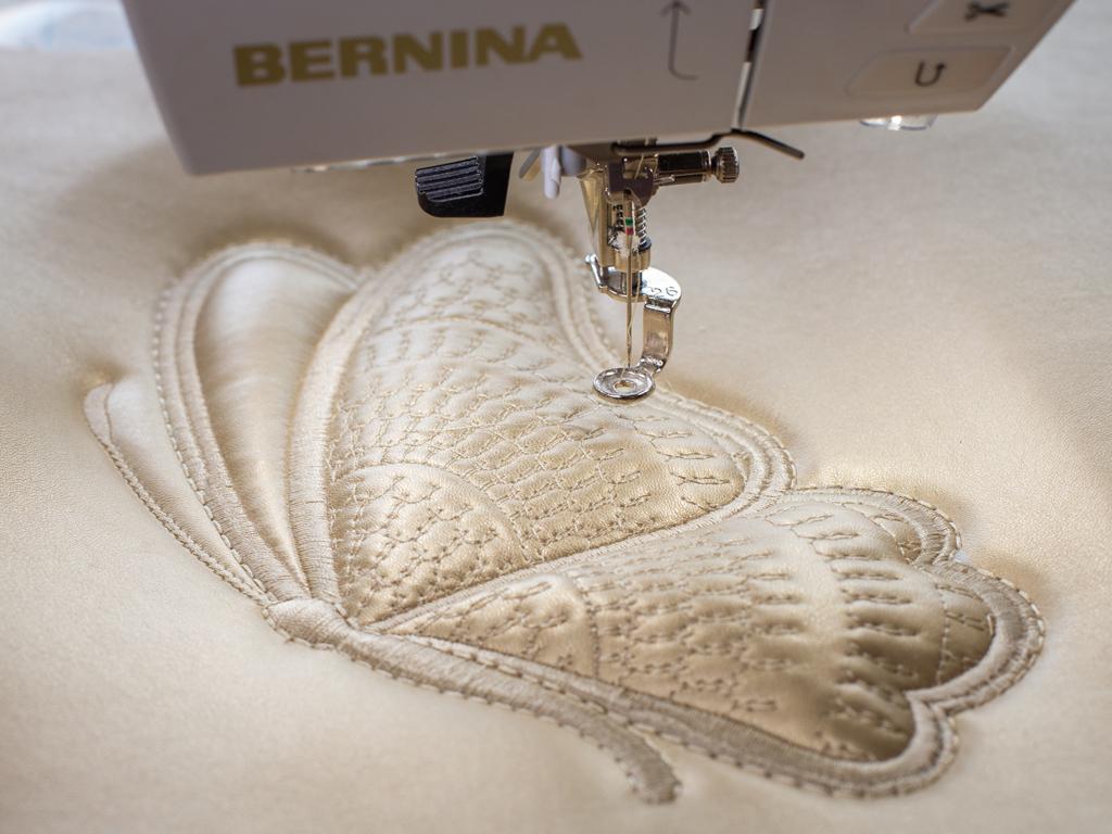 Дизайны «Бабочки» для объемной машинной вышивки на стеганой основе